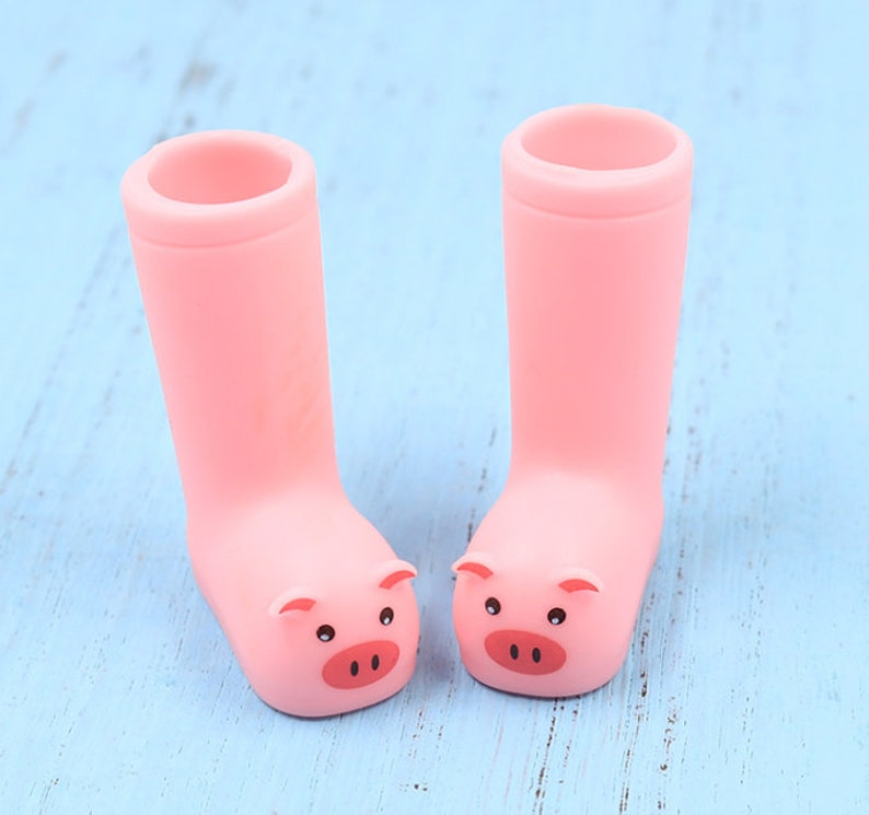 5c65cefa19a1 Pink Piggy Boots for Blythe Barbie  Pullip  Azone Licca OMD