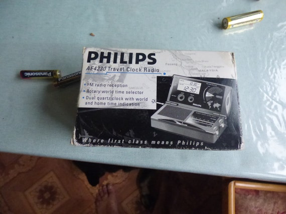Rotary world time selector PHILIPS AE423003 Travel Clock Radio Brand New!new old stoke  great gift