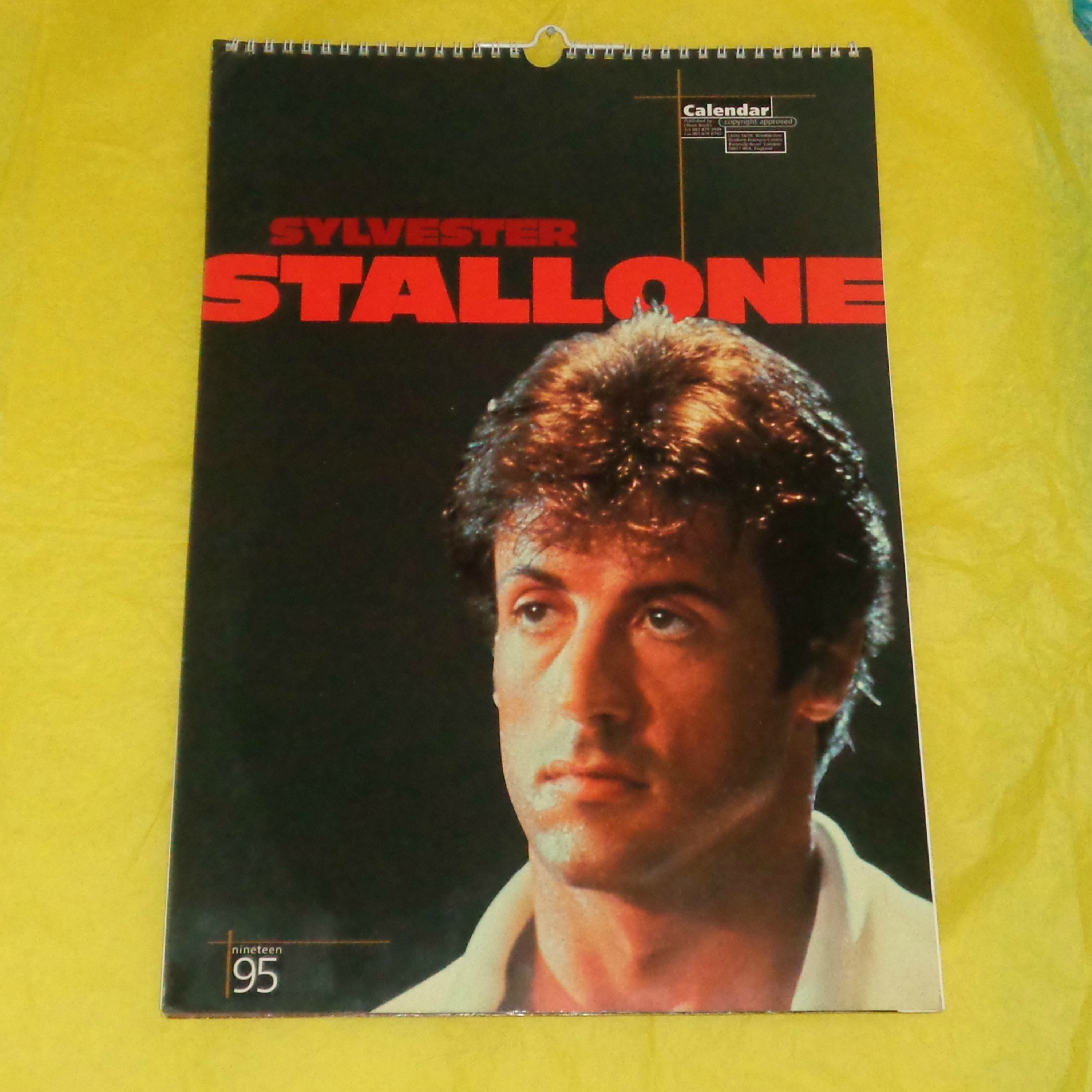Pierce Brosnan 2000 Oliver Books Calendar Film Memorabilia Full Page Pics Movie Star Vintage Collectable James Bond 007 Full Page Pictures