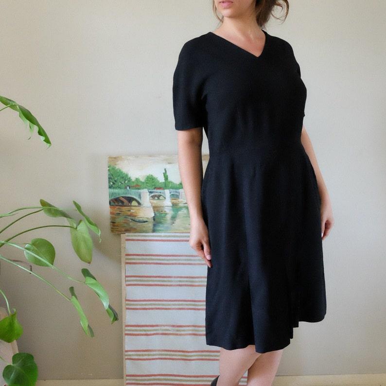 vintage 50s 60s black wool simple dress short sleeve v-neck sheath event prom dress medium