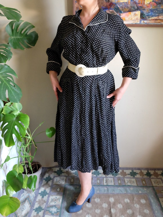 Vintage rayon dress 1940s Black white calico flora