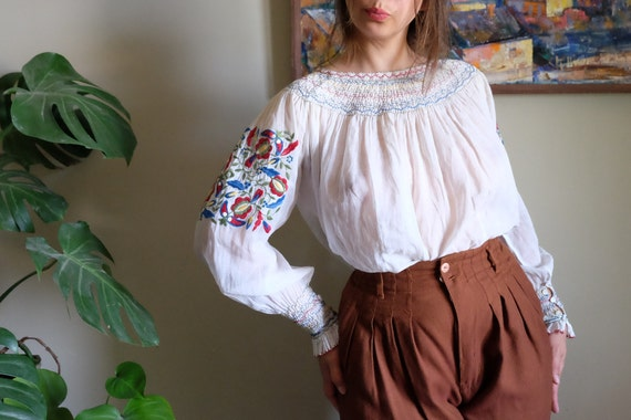 Embroidered Hungarian blouse 1930s 1940s Rare Vint