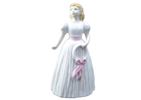 Royal Doulton Lady Figurine Pretty As A Picture Hn 4312 Nada Etsy