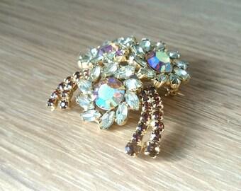 Vintage Brooch Floral Pin Glass Diamond Rhinestone Gold Tone Unsigned Beauty Costume Jewellery Brooch Juliana