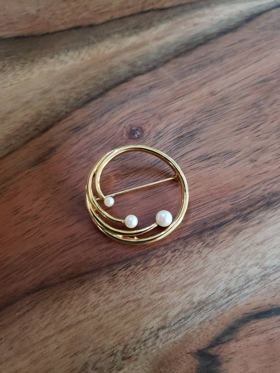vintage brooch, pin, pearl pin, circle brooch, vi… - image 1