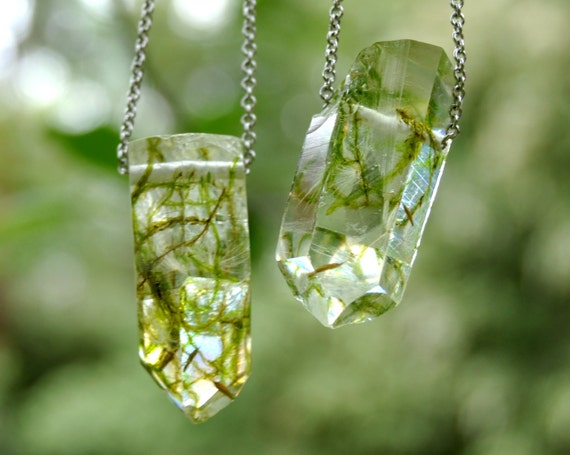 Moss & Dandelion Seed Resin Crystal Necklace