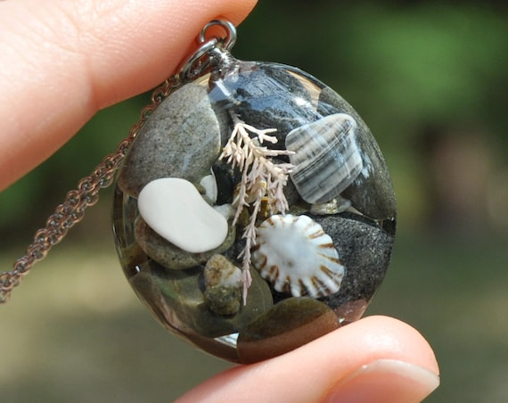 Limpet Shell in a Rockpool Pebble Necklace