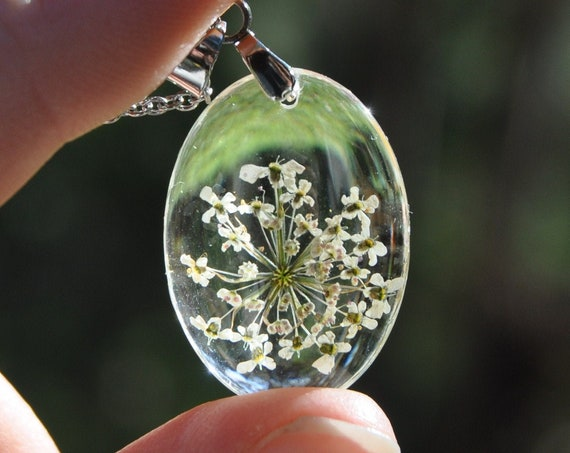 Queen Annes Lace Oval Necklace