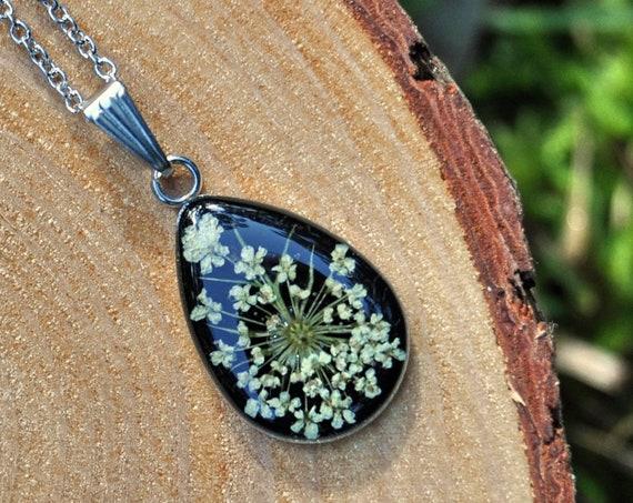 Queen Annes Lace Drop Necklace - Black