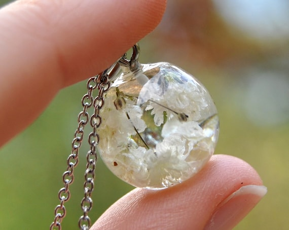 Resin Sphere Necklace - Baby's Breath - 17 mm