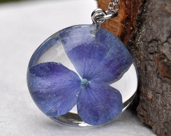 Purple-Blue Hydrangea Flower Pebble Necklace