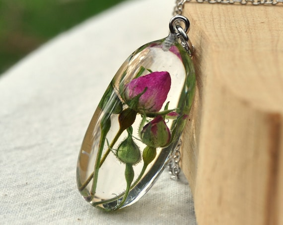 Real Flower Pebble Necklace - Rosebuds