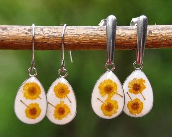 Dangle Drop Earrings - Wattle & White Resin