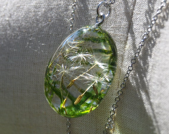 Moss & Dandelion Seed Pebble Necklace