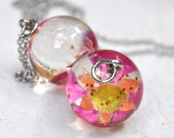 Australian Flower Resin Sphere Necklace - Pink Tea Tree - 18 mm