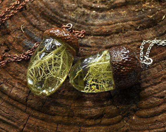 Acorn Resin Necklace - Lichen
