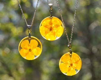 Dainty Buttercup Necklace
