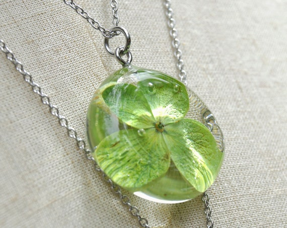 Green Hydrangea Flower Pebble Necklace