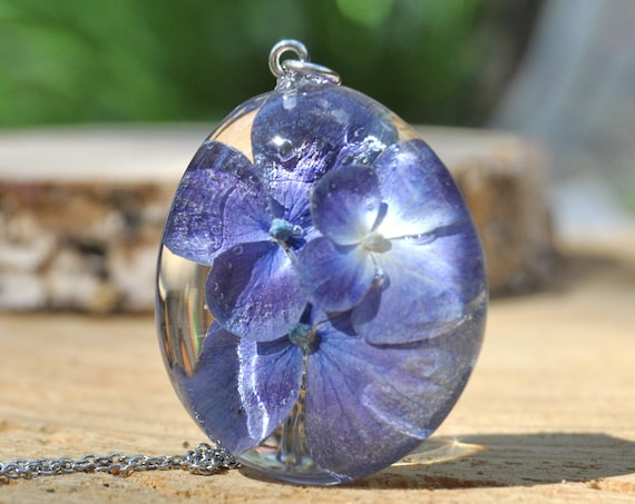 Purple-Blue Hydrangea Flower Resin Pebble Necklace