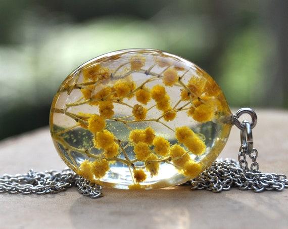 Wattle Resin Pebble Necklace