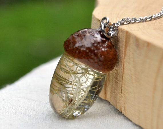 Acorn Resin Necklace - Lichen
