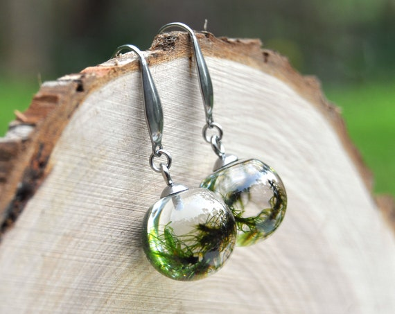 Mini Sphere Dangle Earrings - Moss & Eco Resin