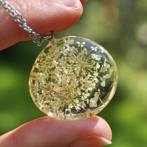 Queen Annes Lace Flower Pebble Necklace
