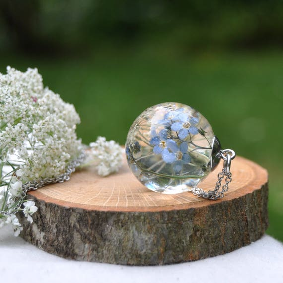 Botanical Resin Sphere Necklace - Forget-Me-Not and Queen Anne's Lace - 25 mm