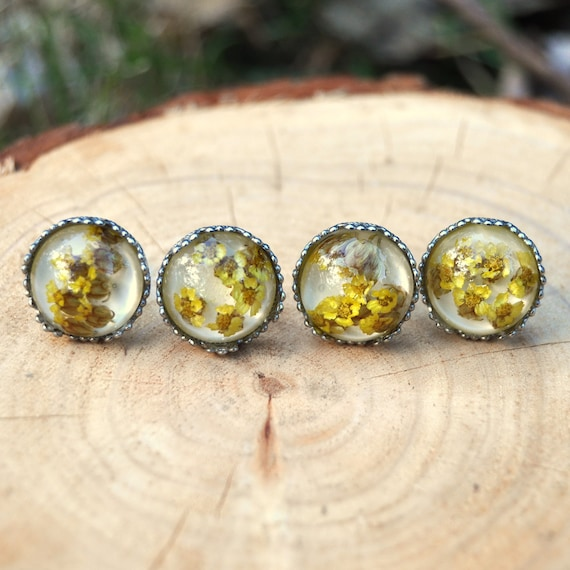 Yarrow Flower Stud Earrings