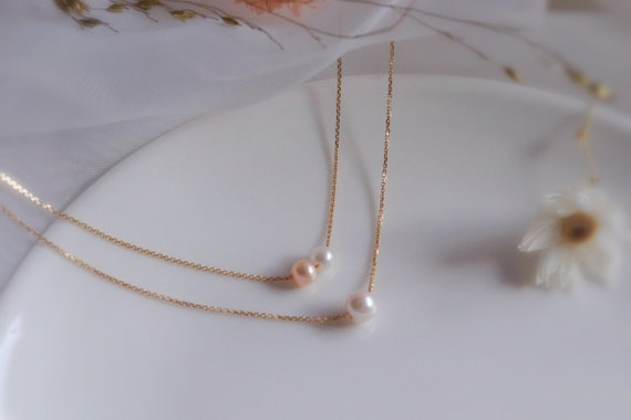 Solid Gold minimal pearl necklace