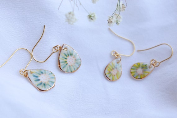 tiny flower porcelain dangle earrings (small size