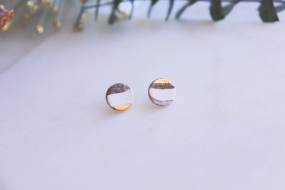 Marble round Gold dipped porcelain studs /22kt gold luster (reserve pour Enrique )