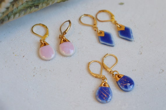 Brown/caramel gold splashed porcelain dangle earrings