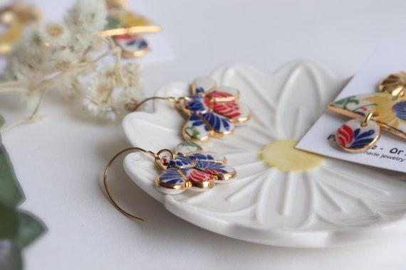 Chrysanthemum flower  gold contoured chandelier porcelain dangle earrings