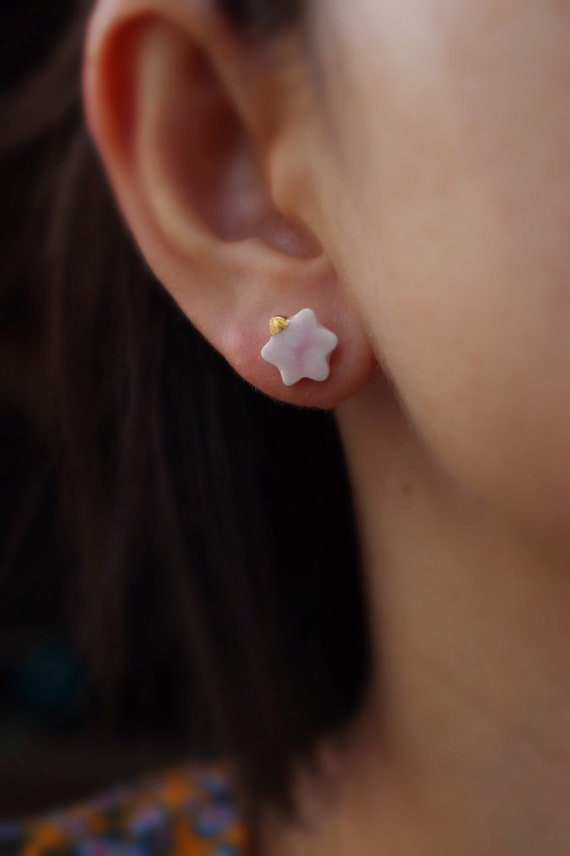 Dainty Flower baby pink ceramic studs /22kt gold luster