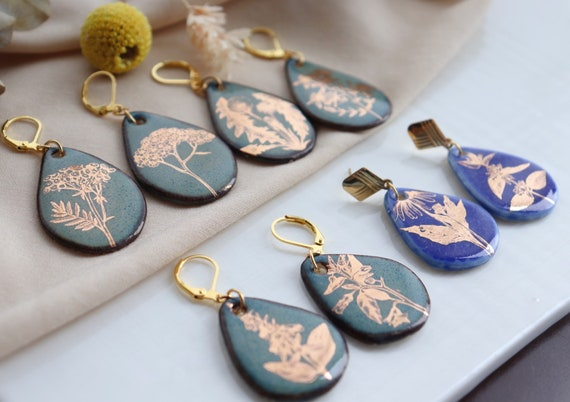 Asymmetrical  golden olden plants porcelain dangle earrings