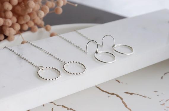 Minimalist silver circle  thread earrings