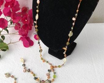 Pearls shell necklace