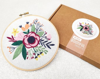 Floral Embroidery Kit, Modern Embroidery Kit, Flowers Needle Craft Kit, Summer Hand Embroidery Project, Poppy Embroidery Kit, Poppies Craft