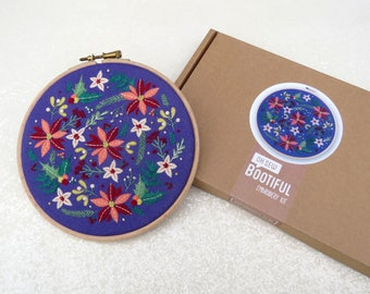 Winter Flowers Embroidery Kit, Christmas Embroidery Kit, Modern Xmas Hoop Art Kit, Christmas Gift Ideas, Holly Embroidery, Floral Embroidery
