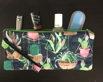 Succulent Zippered Wristlet