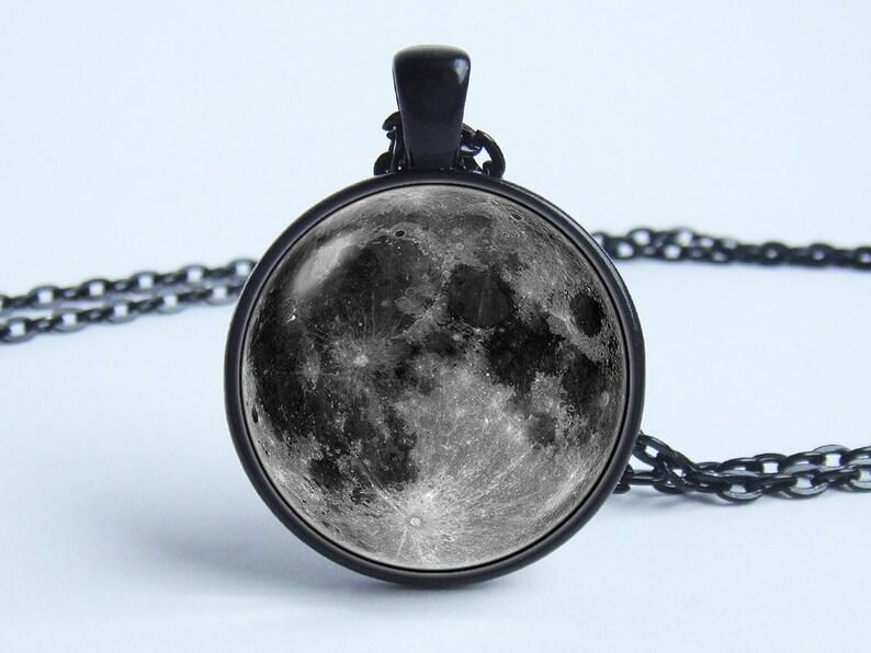 6735c545204a Croissant de lune lune gris pendentif pleine lune Bijoux