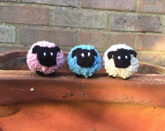 Bobbly Knitted Sheep.