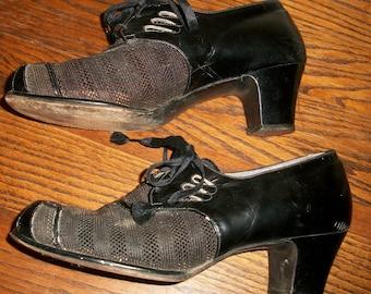 Vintage 40's Larger Size Lace-Up Shoes