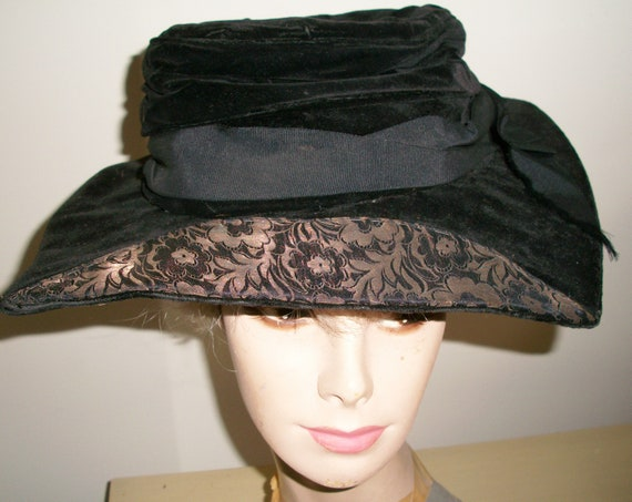 Antique 1920's Black Velvet Hat