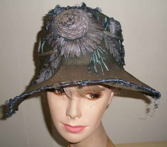 Antique 1920's Straw Cloche Hat