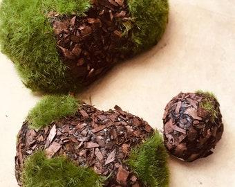 Moss & Bark Green Rocks Set of 3