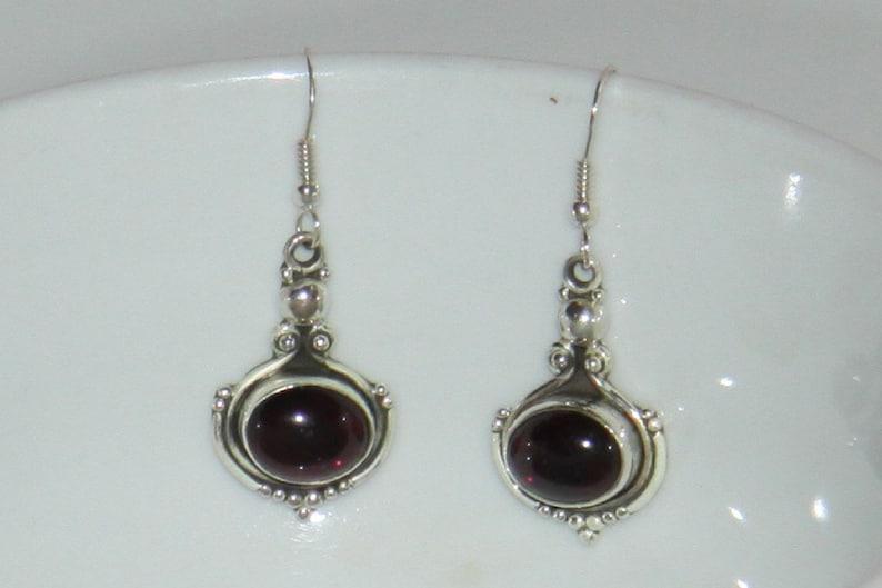 semi precious stone. Indians ethnics earrings in silver 925 and garnet\u00a0