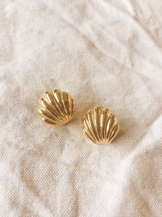 Vintage Shell Earrings