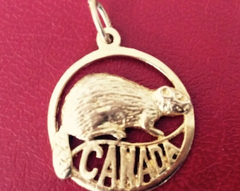 10k yellow gold Canadian beaver charm vintage antique # 1103